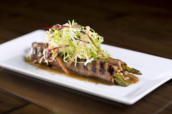lasvegas-restaurant-offthestriplinq-rolled-ny-strip-asparagus-6-160715-57890b87dc207